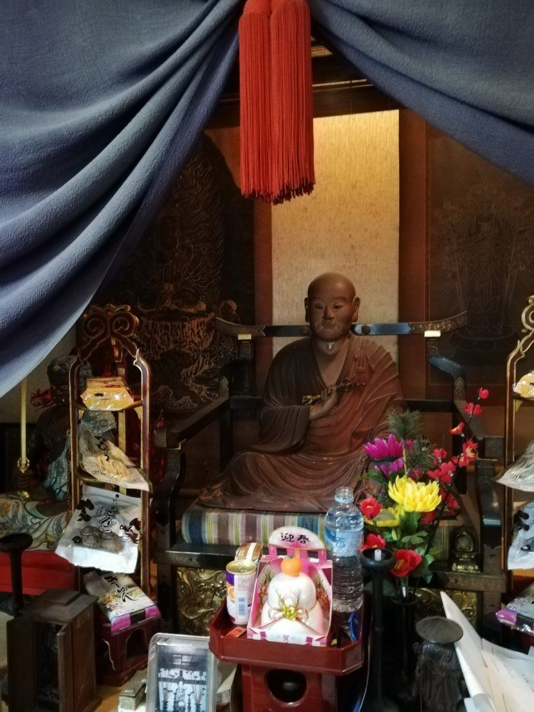 成就院の弘法大師像