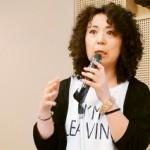 和泉シティプラザで講演する高遠菜穂子さん