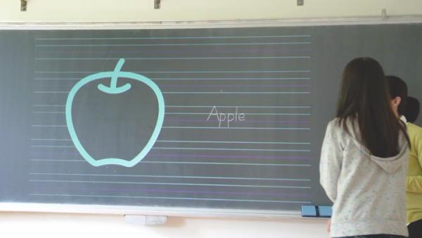生徒と同じノートを、黒板に