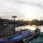 近くの港から見える夕陽
