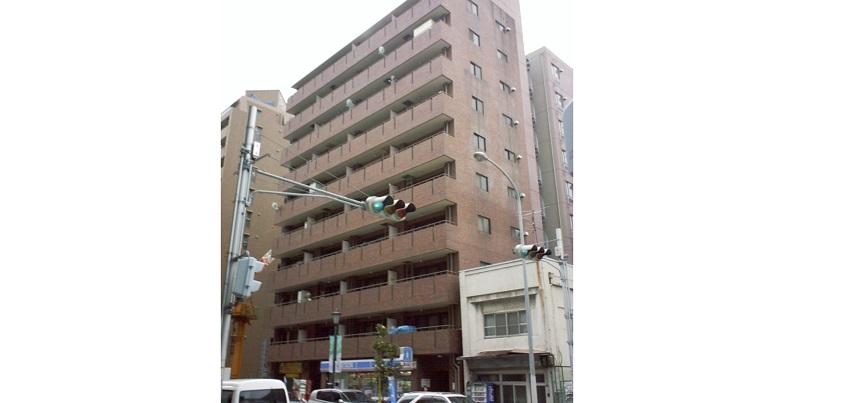 購入した2室目が入っていたマンション=2005年、撮影・橋本正人