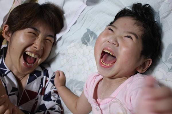 母ちゃんと笑顔がそっくりのあ~ちゃん 写真提供:林智子さん