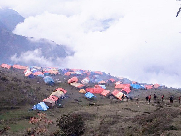 標高約2700メートルの高地へ村ごと移動したラプラック村=撮影・Junさん