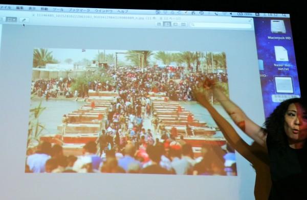 「安保法制で世界と日本は平和になるか」より、ラマディからバクダットに避難する人々の写真=撮影・松中みどり