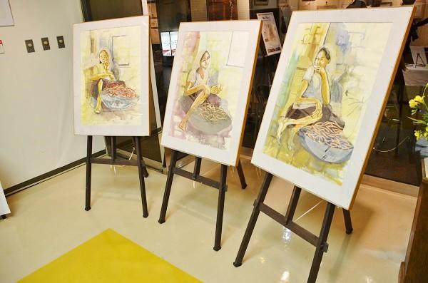 「バザールの少女」三部作、2015年2月「佐野由美作品展」より=榛葉監督提供