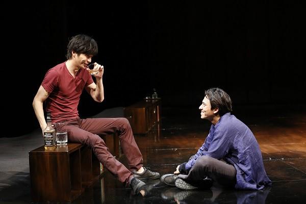「夜への長い旅路」公演より=撮影:村尾昌美