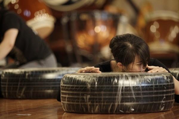 「鼓童ワン・アース・ツアー2015 ~混沌」稽古より=撮影・岡本隆史