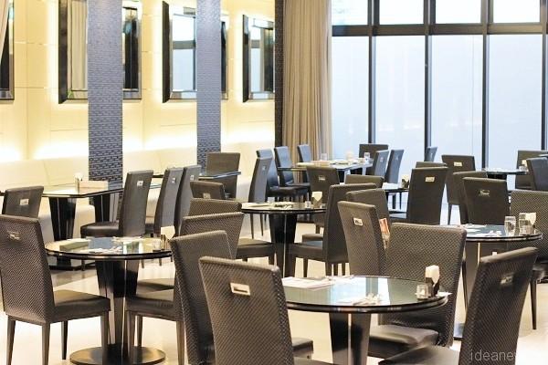 レストラン「ラ・グリルーデン」の内部=撮影:アイデアニュース・橋本正人