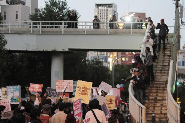 「民主主義と生活を守る大阪デモ」より=2015年11月15日、撮影:アイデアニュース・橋本正人