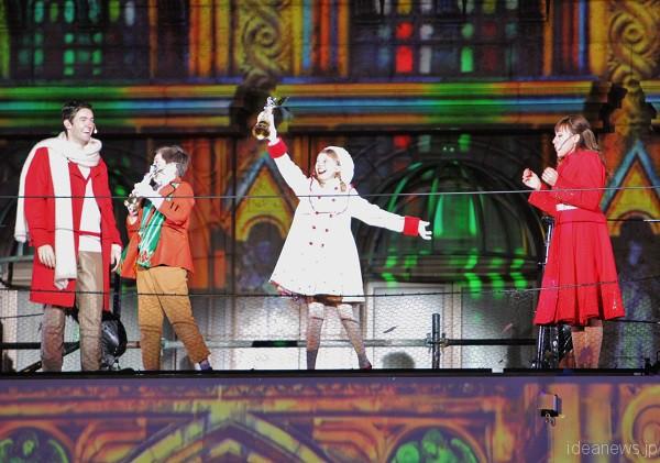 クリスマス・ナイト・ショー「天使のくれた奇跡Ⅲ ~The Voice of an Angel~」より=撮影・橋本正人