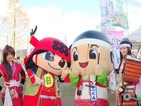 左から チーム幸丸(サスケ)、幸丸くん、与一くん、ラピス=2014三田にて、撮影・狸爺さん