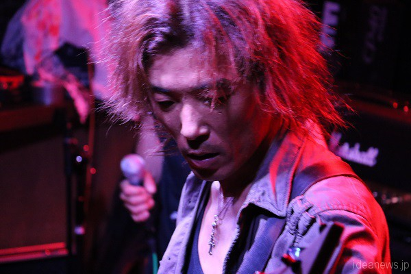 「ONIONSLAUGHT」ベースの、tyokunari=写真提供・松川浩章さん