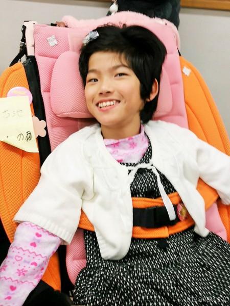 今日の主人公、古池玲乃愛ちゃん11歳です=撮影・松中みどり