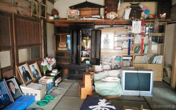 飯舘村の、避難された方のお家の中=撮影・松中みどり