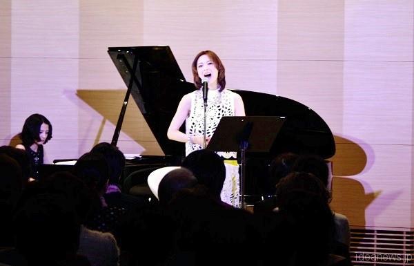 「姿月あさと Birthday Live in Magnolia 2016」より=撮影・橋本正人