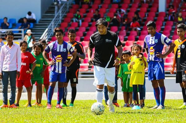 定期的にサッカークリニックを開催=写真提供・JDFA