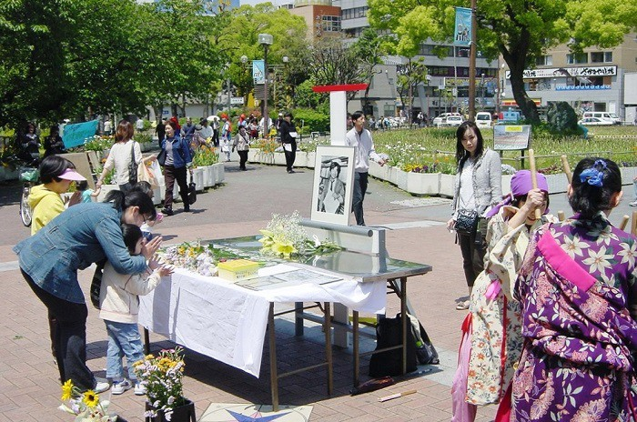2010年5月3日の「小尻記者追悼・青空表現市」より