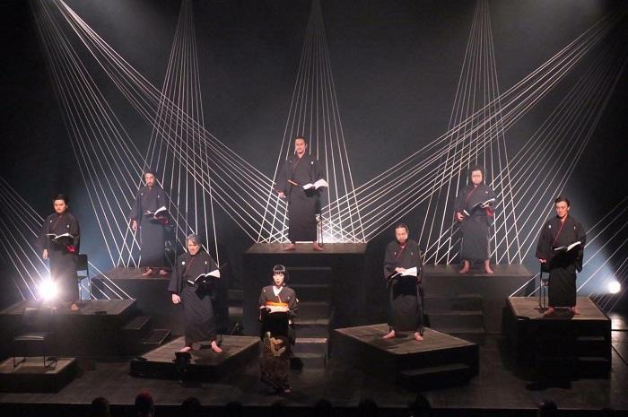 劇団THE REDFACE公演「七慟伽藍(しちどうがらん) 其の十三」より=撮影・堀江男二