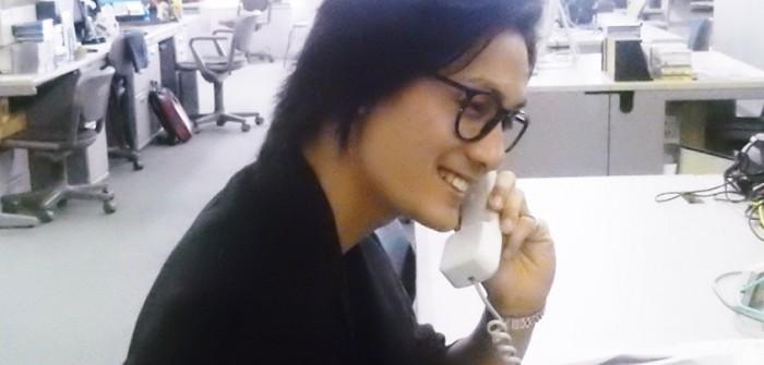 ファンと電話で話す加藤和樹さん