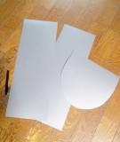 1.PP(ポリプロピレン)シートを、鎧の形に切り出します。=撮影・Lapis