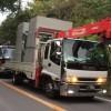 2016年7月11日の高江 選挙が終わった翌朝の6時、資材搬入の大型工事車両が入るところ=Makoto YasuさんのFacebookページより