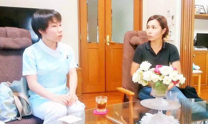 管理栄養士の村田さん(左)と言語聴覚士の福原さん【右)=撮影・松中みどり