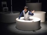 世田谷パブリックシアター「せたがやこどもプロジェクト2016≪ステージ編≫ 音楽劇『兵士の物語』」より=撮影:引地信彦