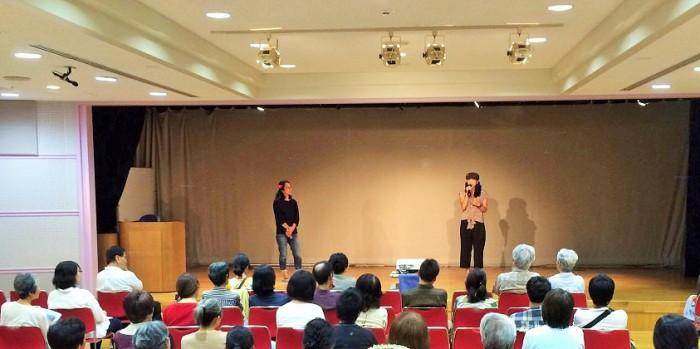 2016年9月23日上映後のトークイベント 左は聞き手の大和陽子さん 右が城間真弓さん=撮影・塚本健さん