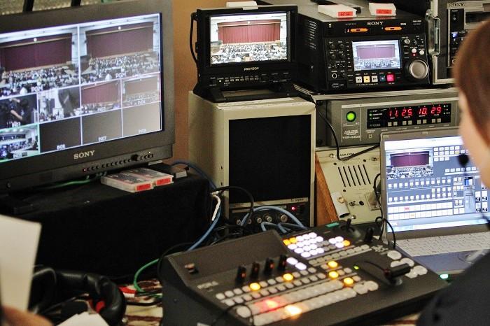 名古屋工学院専門学校の生徒さんらが音響・照明・中継などを担当=撮影:アイデアニュース・橋本正人