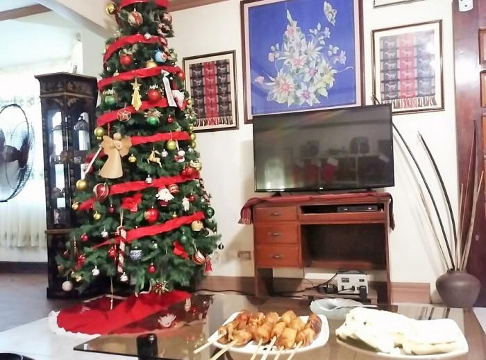フィリピンの一般的な家庭の居間=撮影・松中みどり