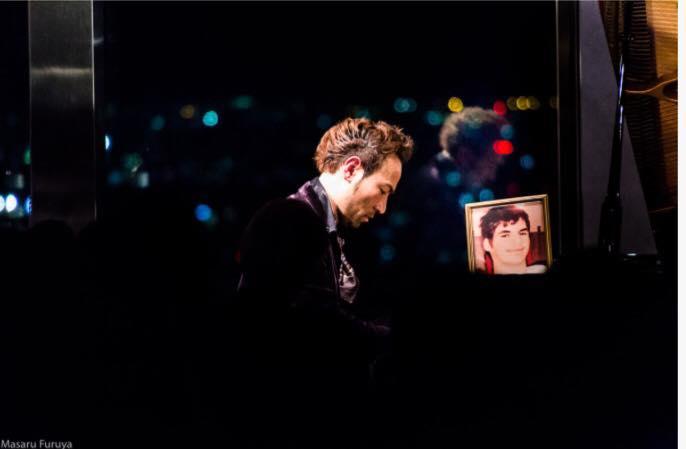 『nicotan♡soap 2017新年会&交流会』に先立って行われた『7本指のピアニスト西川悟平ピアノコンサート&トークショー」=写真提供・浅野敬子さん