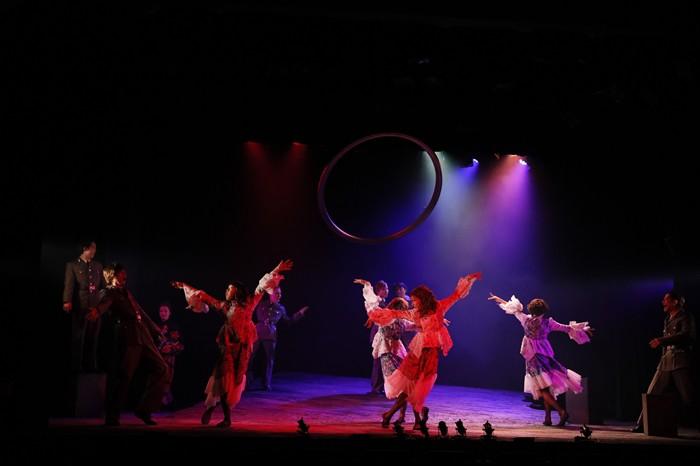 『エッグ・スタンド』(Rougeチーム)公演より=写真提供・劇団スタジオライフ