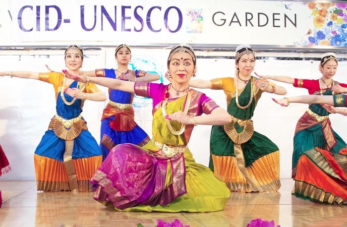 「World Dance Day 2016」より=マルガユニティーのページのギャラリーから