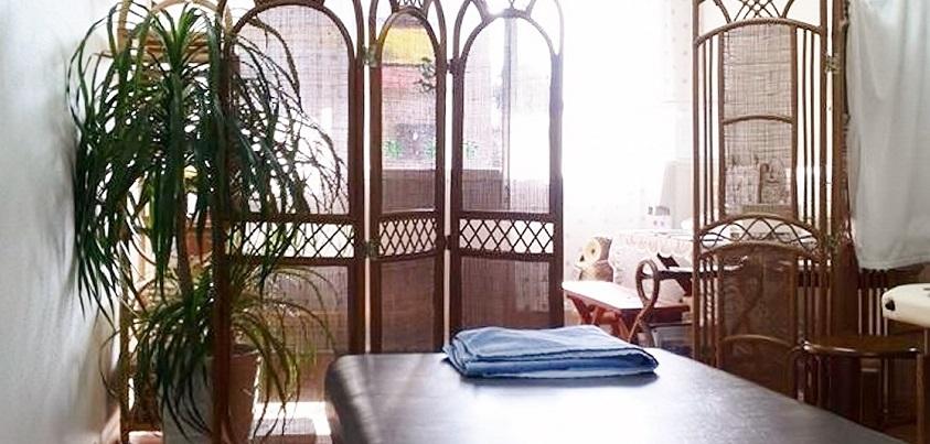 「広野駅前整体」の室内=写真提供・てるごん乃介さん