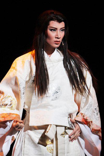 宝塚歌劇星組公演 『阿弖流為 -ATERUI-』より=撮影:アイデアニュース・橋本正人