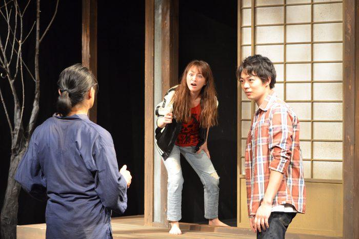 舞台『トリスケリオンの靴音』公演より=写真提供・ワタナベエンターテインメント