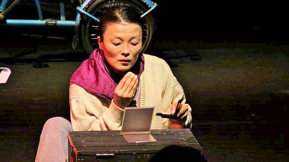 4月22日・23日の舞台『キャラメル』オクスンハルモニを演じる洪美玉さん=きむきがんさんのFacebookページより