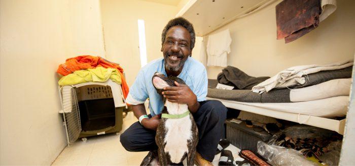 New Leash on Life ホームページより 囚人と彼の犬