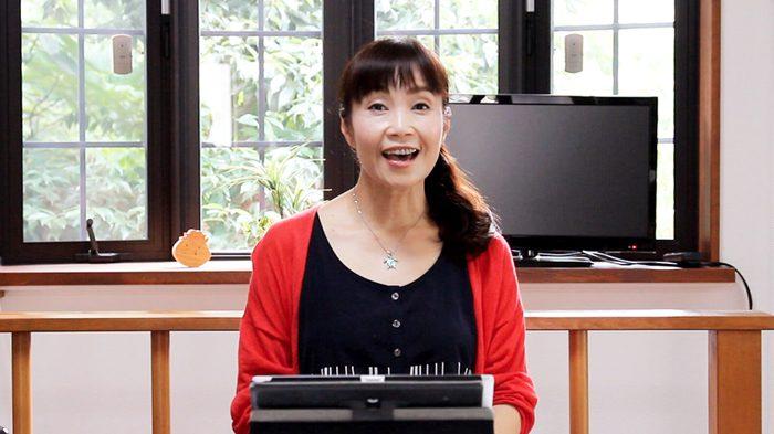 松中みどりさんのオンライン英語授業=撮影・橋本正人