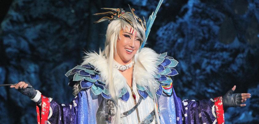 宝塚星組公演『Thunderbolt Fantasy 東離劍遊紀』より=撮影・橋本正人