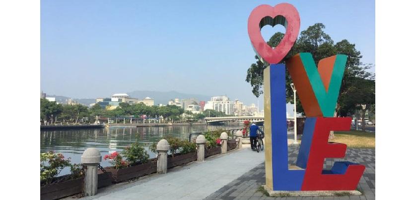 高雄の街を流れる、その名も「愛河(love river)」=撮影・中本千晶