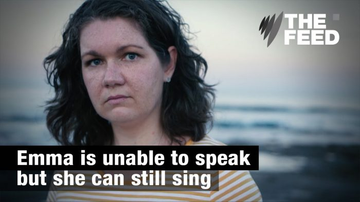 YouTubeの「Emma is unable to speak but she can still sing」=The feed チャンネルより