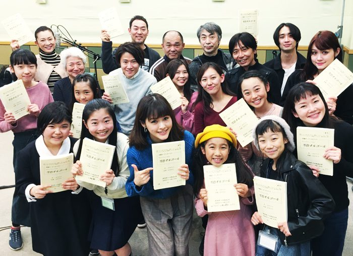 NHK FMの特集オーディオドラマ『サウンドミュージカル 雪色オルゴール』~そのメロディに導かれ、彼女は母の生まれた港町へと旅立つ~に出演するみなさん=写真提供・NHK