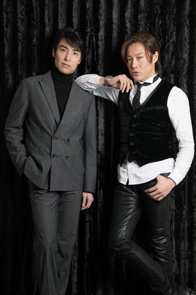 東山義久さん(右)と海宝直人さん=撮影・岩村美佳