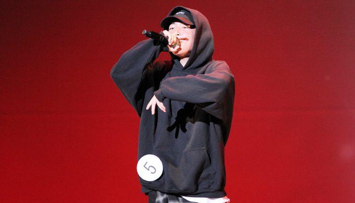『K-POP & K-POPカバーダンス コンテスト 2019 関西大会』の歌部門で優秀賞に選ばれた喜友名陽さん=撮影:アイデアニュース・橋本正人