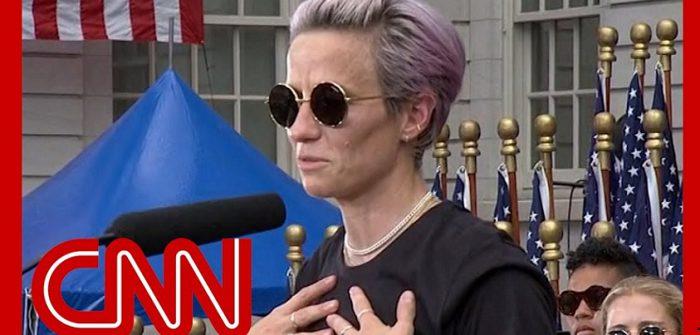YouTubeの「Megan Rapinoe speaks at World Cup championship parade」=CNNチャンネルより