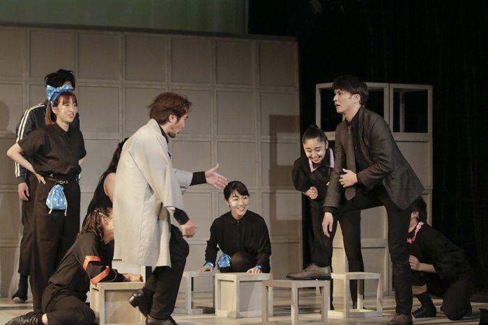 ミュージカル『(愛おしき) ボクの時代』より=撮影・岡千里