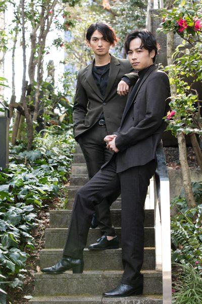 松田凌さん(左)と鈴木勝吾さん(右)=撮影・岩村美佳