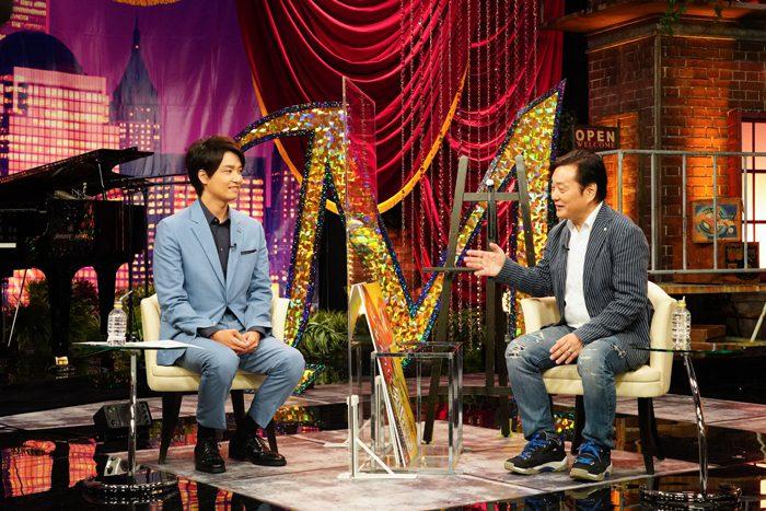 井上芳雄さん(左)と小池修一郎さん(右)