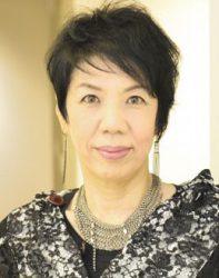 『淡路の月に誓う』の作・演出・振付を担当する謝珠栄さん